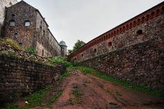 Vista delle pareti e delle costruzioni dentro la fortezza Immagini Stock