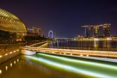 Vista delle sabbie di Marina Bay alla notte a Singapore Fotografie Stock Libere da Diritti