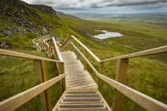 Vista delle scala a cielo alla montagna di Cuilcagh Immagine Stock Libera da Diritti