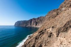 Vista delle scogliere Spagna di Los Gigantes fotografie stock libere da diritti