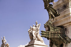 Vista delle statue all'altare della patria Fotografie Stock