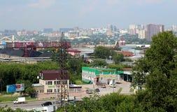 Vista delle strade principali della città di Novosibirsk di estate di 2018 fotografia stock libera da diritti