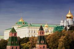 Vista delle torrette di Mosca Kremlin Fotografie Stock