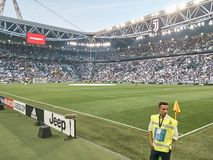 Vista dello stadio dell'Allianz, il campo della casa di Juventus immagini stock