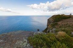 Vista dello stretto basso del mare dall'allerta sopra il plateau t del dado Immagini Stock