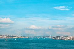 Vista dello stretto di Bosphorus e del ponte di Bosphorus, Costantinopoli, Turchia Immagini Stock Libere da Diritti