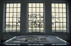 Vista desde adentro del monumento del campo de concentración de Dachau Imágenes de archivo libres de regalías