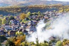 Vista desde arriba de la ciudad del renacimiento de Koprivshtitza Imagenes de archivo