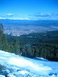 Vista desde arriba a la ciudad de Bansko Imágenes de archivo libres de regalías