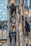 Vista detalhada da estátua no castelo de Praga em Praga Fotografia de Stock