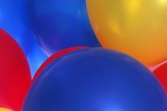 Vista detalhada de balões coloridos foto de stock