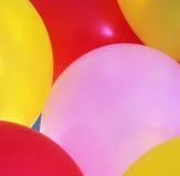 Vista detalhada de balões coloridos imagem de stock