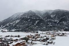 Vista di Achenkirch, Austria, una stazione sciistica scenica Fotografie Stock