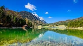Vista di Alpspitze dal lautersee nel mittenwald Fotografia Stock Libera da Diritti