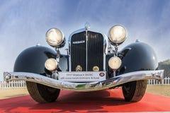 Vista di angolo basso anteriore del modello d'annata dell'automobile 1937 di Maybach SW38C Fotografia Stock