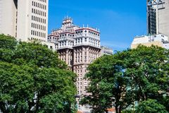 Vista di angolo basso dell'edificio di Martinelli in San Paolo, Brasile Immagini Stock Libere da Diritti