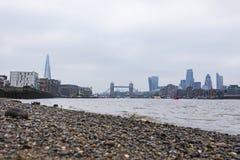 Vista di angolo basso della città di Londra Fotografia Stock
