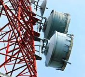 Vista di angolo basso delle telecomunicazioni Immagini Stock Libere da Diritti