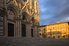 Vista di angolo basso di una cattedrale Immagine Stock