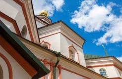 Vista di angolo della cupola della cattedrale Fotografia Stock Libera da Diritti