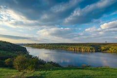 Vista di aprile del Dnieper Fotografia Stock