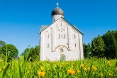 Vista di architettura della chiesa della trasfigurazione del nostro salvatore sulla via di Ilin in Veliky Novgorod, Russia Fotografie Stock Libere da Diritti