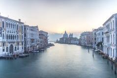 Vista di architettura veneziana durante il tramonto Fotografie Stock Libere da Diritti