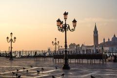 Vista di architettura veneziana durante il tramonto Immagine Stock