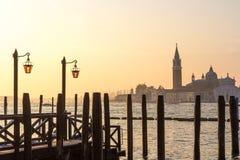 Vista di architettura veneziana durante il tramonto Fotografie Stock