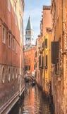 Vista di architettura veneziana durante la luce del giorno Fotografie Stock