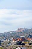 Vista di Arial del cantiere, delle ville e delle gru Immagini Stock Libere da Diritti