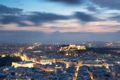 Vista di Atene e dell'acropoli da sopra Immagine Stock