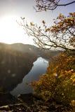 Vista di autunno del fiume la Moldava Immagini Stock