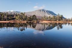 Vista di autunno della montagna immagini stock libere da diritti
