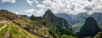 Vista di belle montagne vicino a Machu Picchu fotografia stock