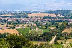 Vista di Bevagna, una città medievale in Umbria, Italia fotografie stock libere da diritti
