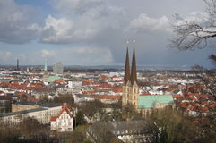 Vista di Bielefeld Germania da Sparrenburg fotografie stock