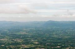 Vista di Birdeye dall'alta montagna Fotografia Stock