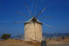 Vista di Bodrum e di vecchio mulino a vento, Mugla, Turchia immagini stock libere da diritti
