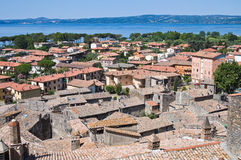 Vista di Bolsena. Il Lazio. L'Italia. Immagine Stock Libera da Diritti