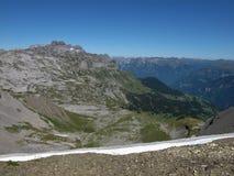 Vista di Braunwald e delle montagne Immagine Stock