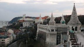 Vista di Budapest dal bastione del ` s del pescatore fotografia stock libera da diritti