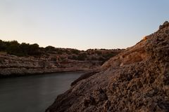 Vista di Cala Grega, Lampedusa immagini stock
