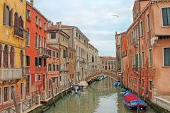 Vista di Cannaregio - bello distretto di Venezia L'Italia immagini stock libere da diritti