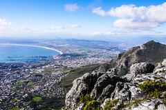 Vista di Cape Town dalla montagna della Tabella fotografia stock