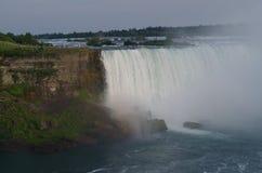 Vista di cascate del Niagara Immagini Stock