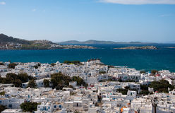 Vista di Chora Mykonos ed il Mar Mediterraneo Fotografia Stock