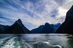 Vista di crociera di Milford Sound, Nuova Zelanda fotografie stock