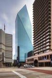 Vista di Dallas compreso la costruzione del posto della fontana Fotografia Stock