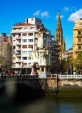 Vista di Donostia, Spagna Ponticello della Maria Cristina Fotografia Stock Libera da Diritti